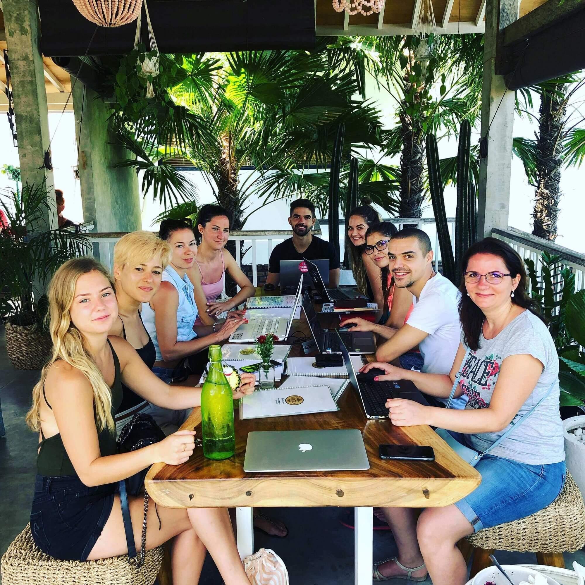 Így networkingelj utazás közben: 5 tipp, hogy a legtöbbet hozd ki a nyaralásodból